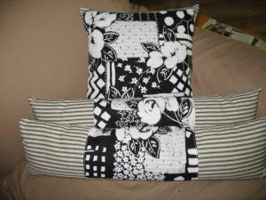 Black & White trio